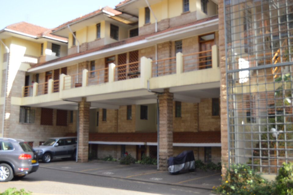 Lavington: Duplex Apartment. To Let.