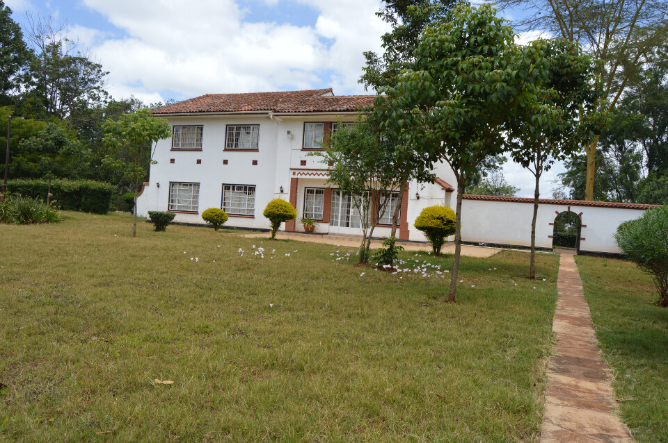 5br Double Storey in Kitsuru: To Let.