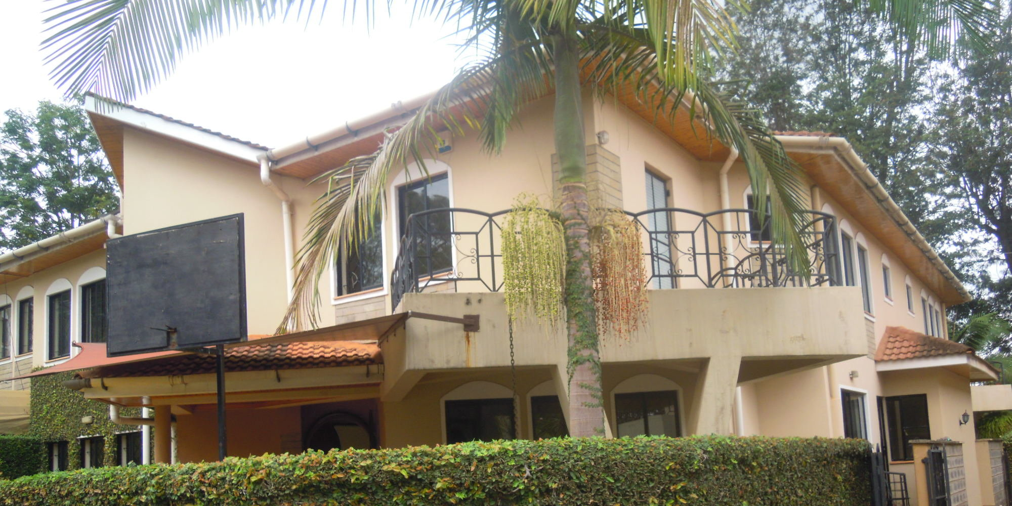 Lavington: 5BR Townhouse.-For Sale