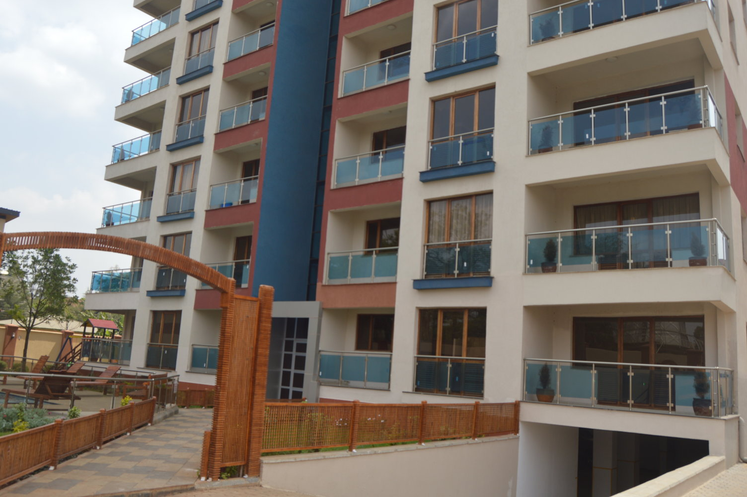 Kileleshwa: 3BR new Apartments, Sq.  Sale/ Rent.
