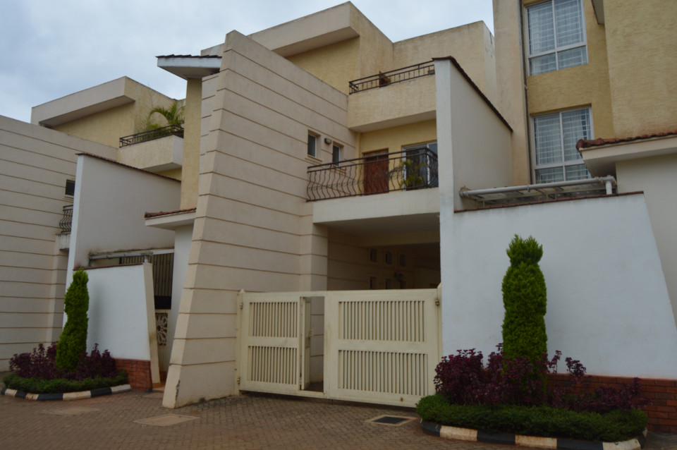 Kyuna -Townhouse-To Let