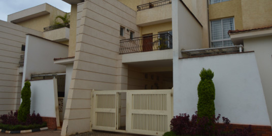 5bedroom Townhouse-To Let-Kyuna