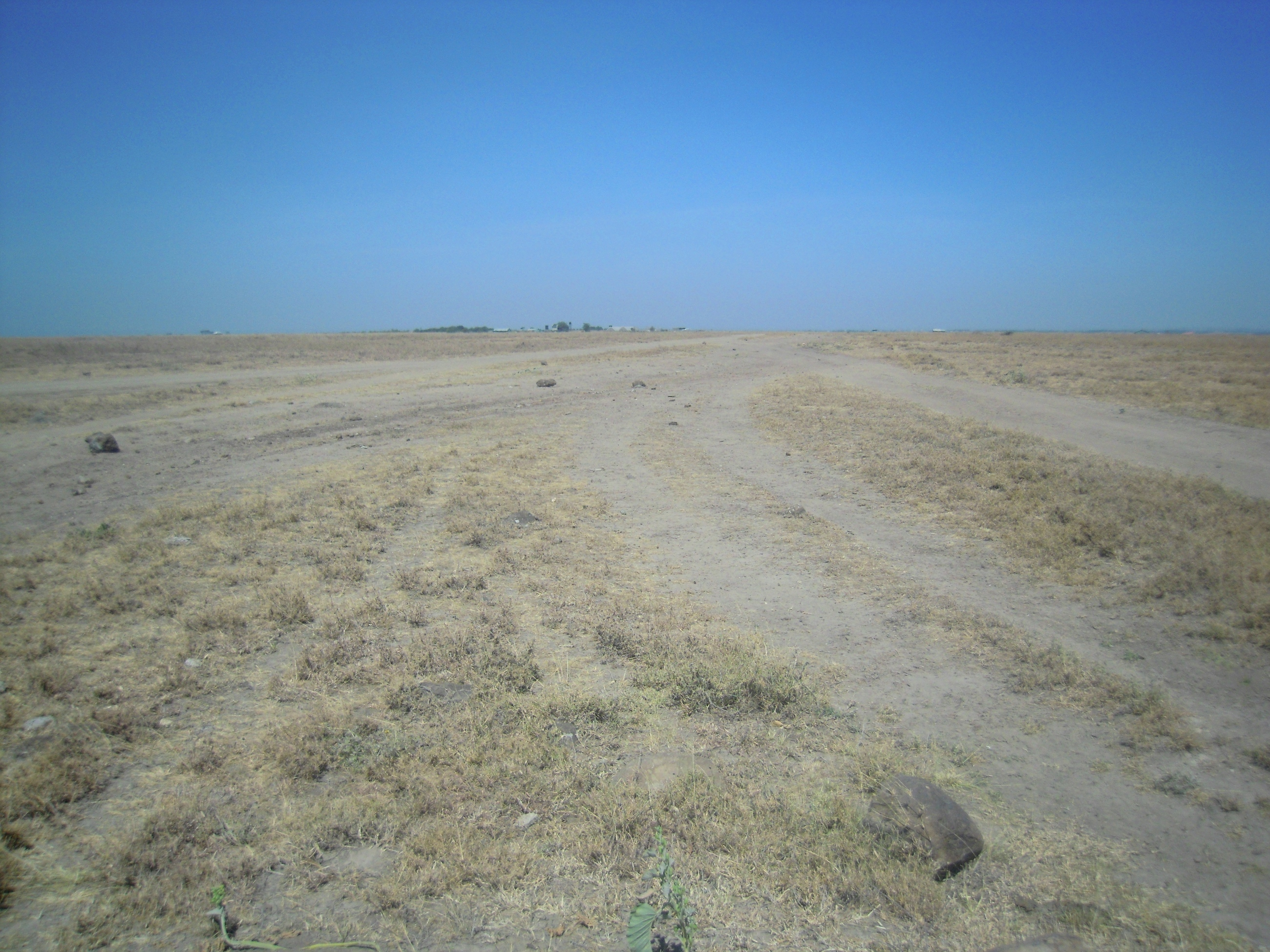 Kitengela off Namanga Road: 20-Acres.